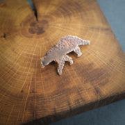 miedziana broszka w kształcie niedźwiedzia – krupkowska.com