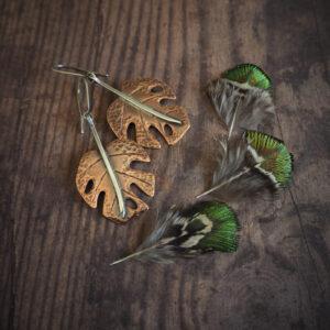 seria botaniczna: kolczyki z liśćmi monstery - krupkowska.com