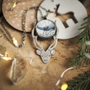 jeleń z zimowym agatem dendrytowym - srebrny naszyjnik krupkowska.com