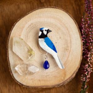modrosójka błękitna - emaliowana broszka ptak krupkowska.com
