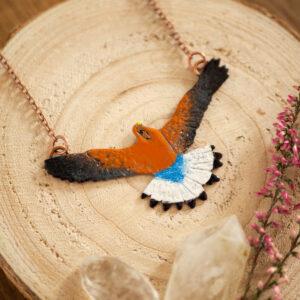 pustułka - naszyjnik z emaliowanym ptakiem