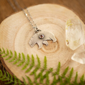 niedźwiedzica - srebrny naszyjnik z kamieniem słonecznym krupkowska.com