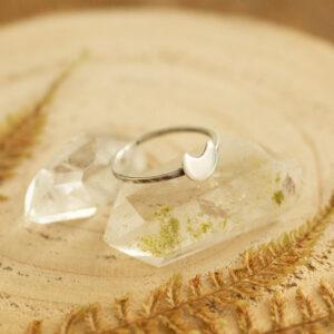 księżycowy minimalistyczny pierścionek ze srebra krupkowska.com