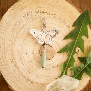 motyl B1 - srebrny wisior z chryzoprazem