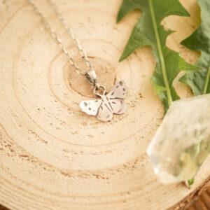 motyl D1 - minimalistyczny srebrny naszyjnik | krupkowska.com