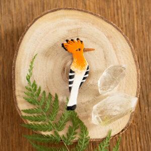 dudek - emaliowana broszka z kolorowym ptakiem